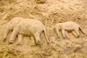 how to make a sand sculpture