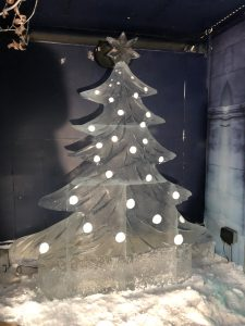 ice sculpture christmas tree