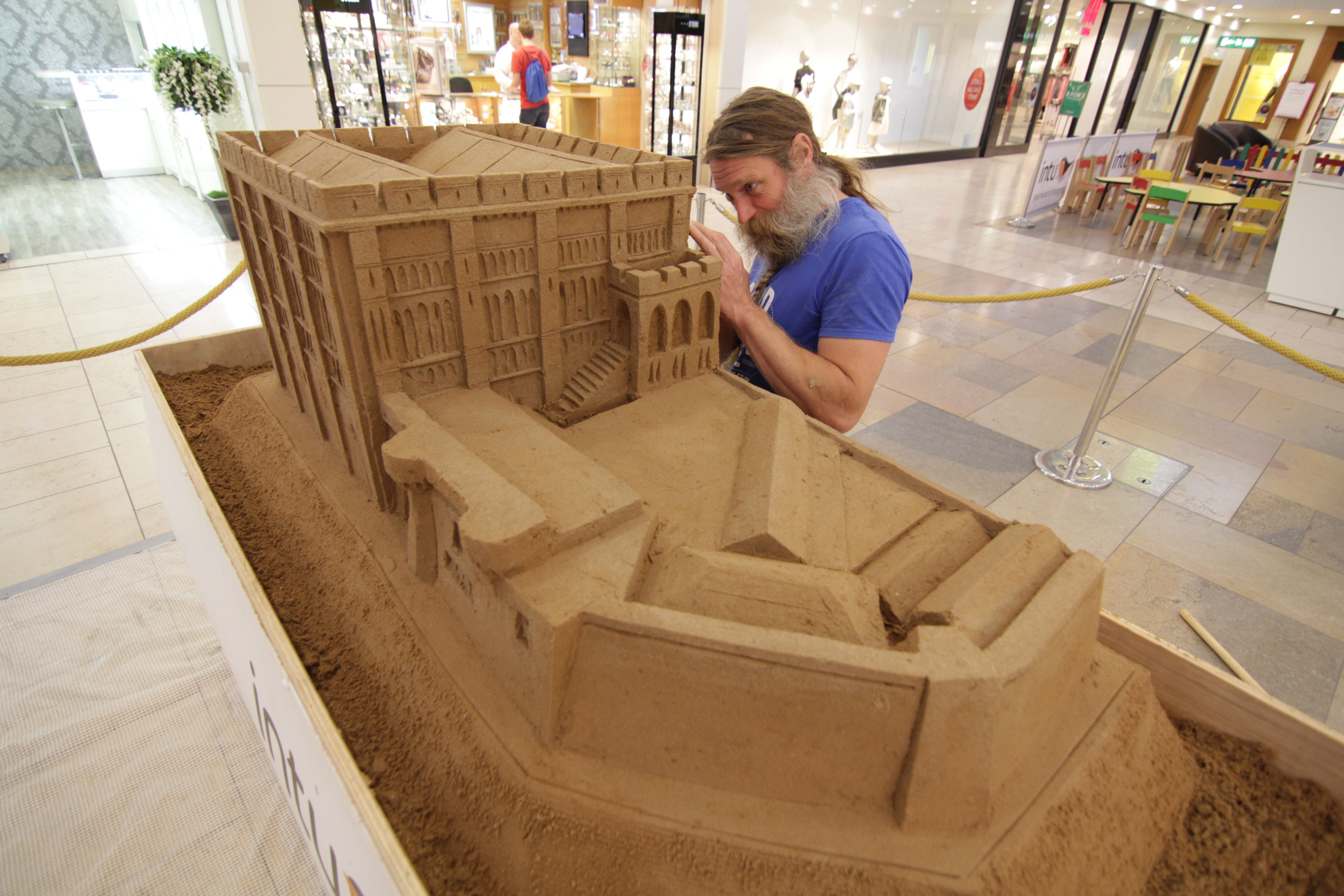 sand carving intu shopping centre norwich