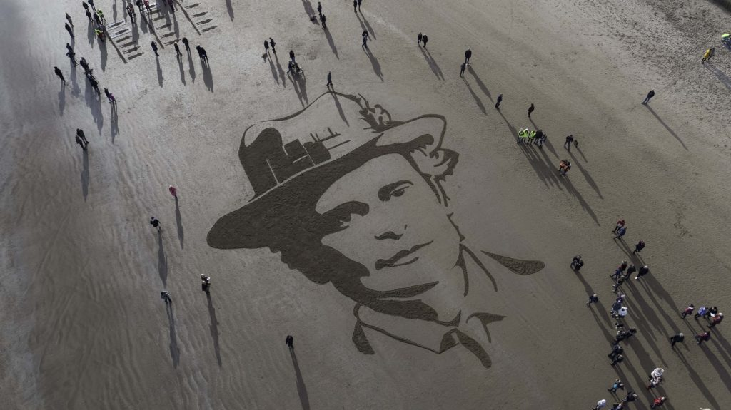 world war one centenary sand drawing Courtesy of 14-18 NOW 3