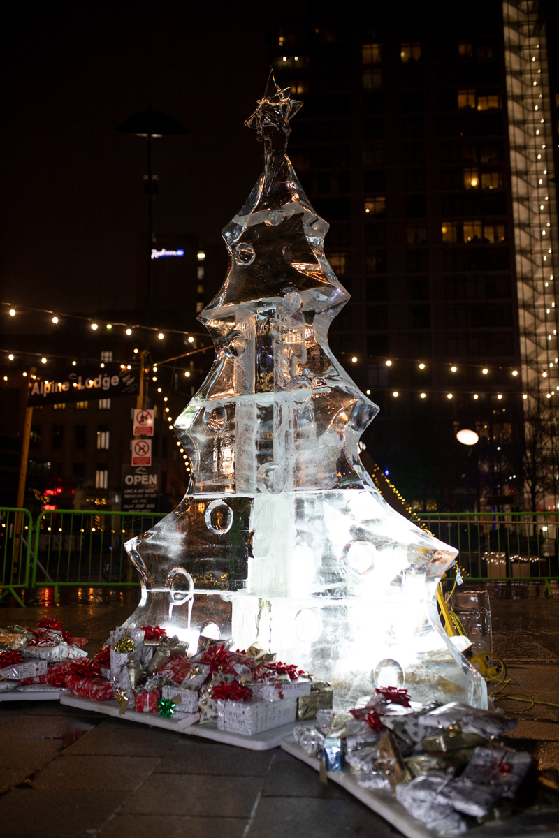 gifts_christmas_ice_sculpture_manchester
