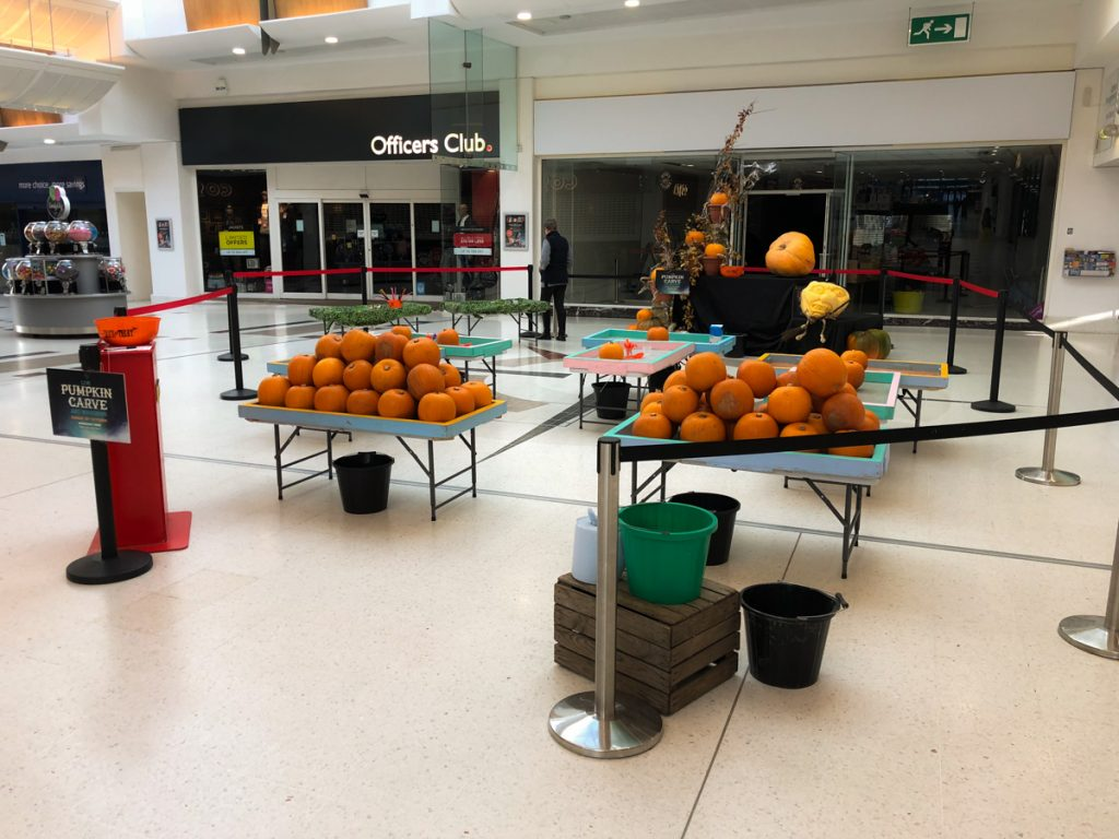 indoor shopping centre halloween pumpkin carving workshops