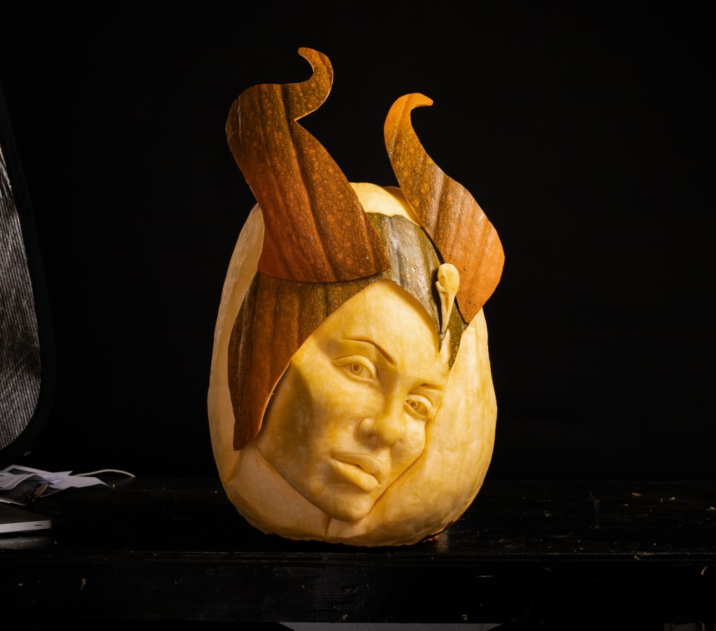 celebrity carved pumpkin