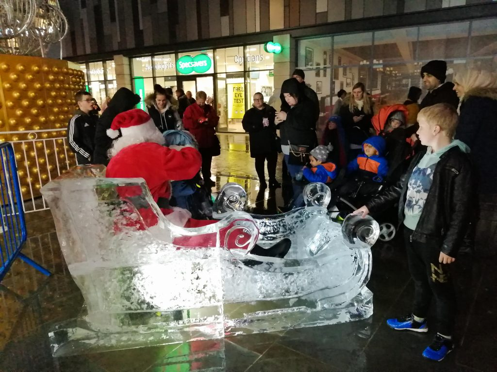 christmas ice sculpture uk