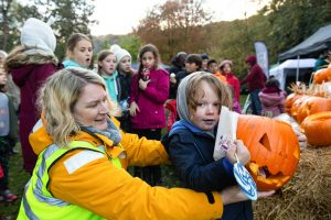 kids pumpkin carving competition craigshaw