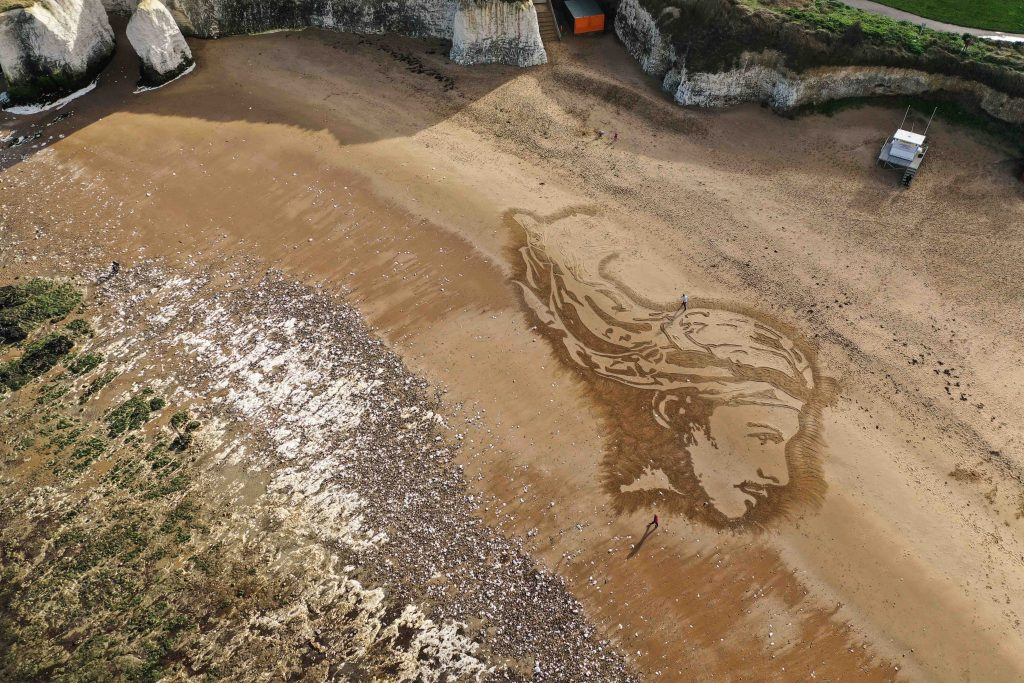 sand drawing london