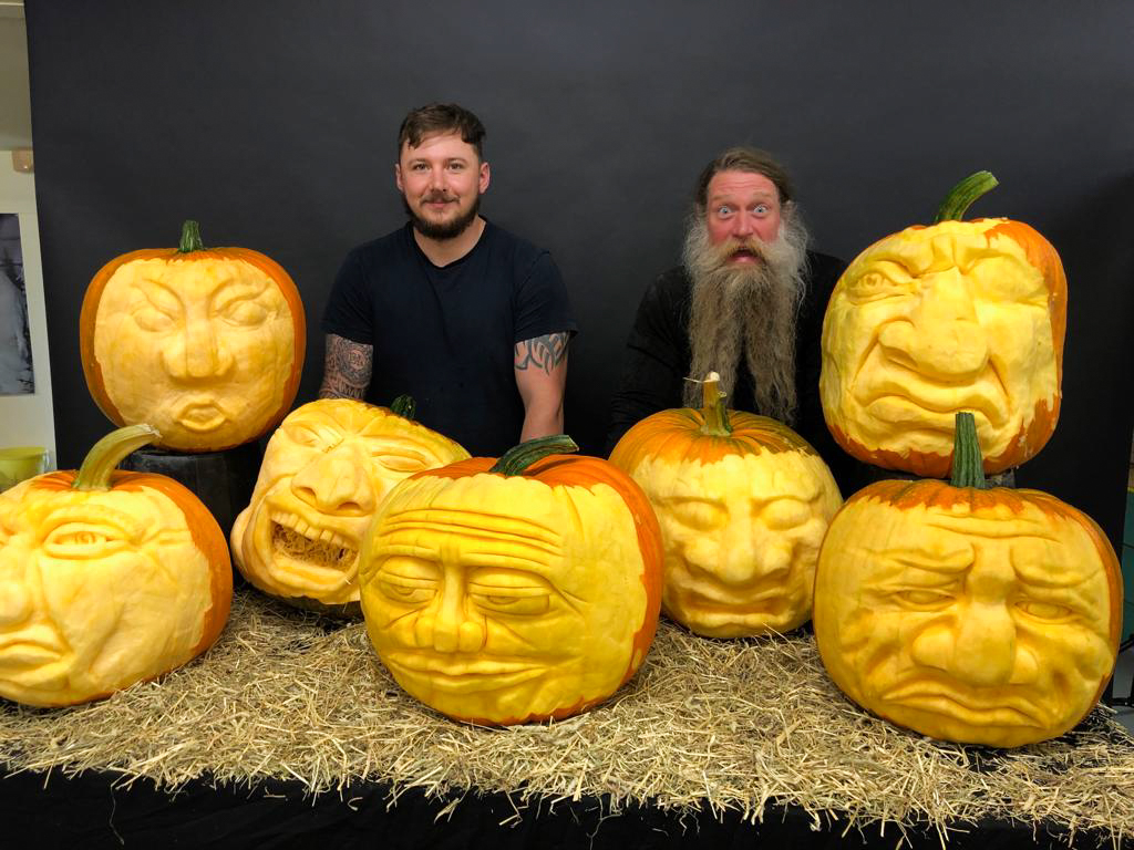 carved pumpkins couriered