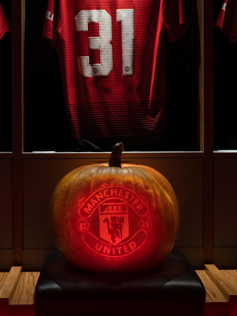 pumpkin carving manchester united