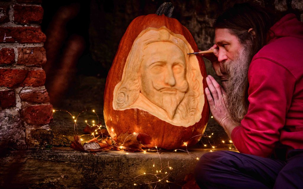 live pumpkin carving uk