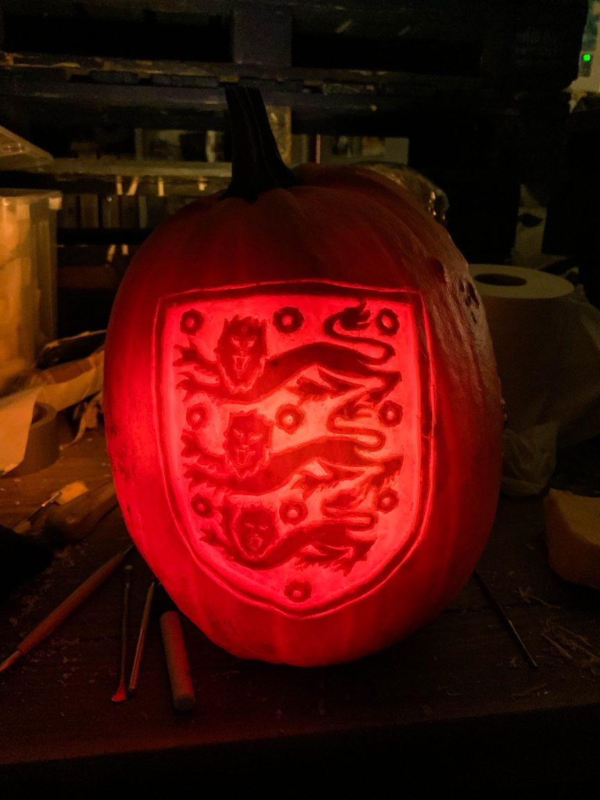 england football logo pumpkin