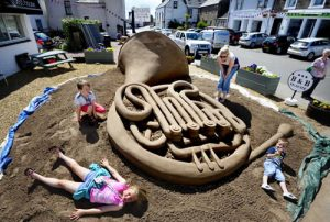 covid_safe_outdoor_events_sand_sculpture_uk
