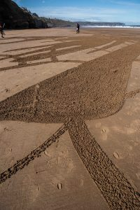 sand_drawing_close_up_WaterAid_ Rob Heilig -10