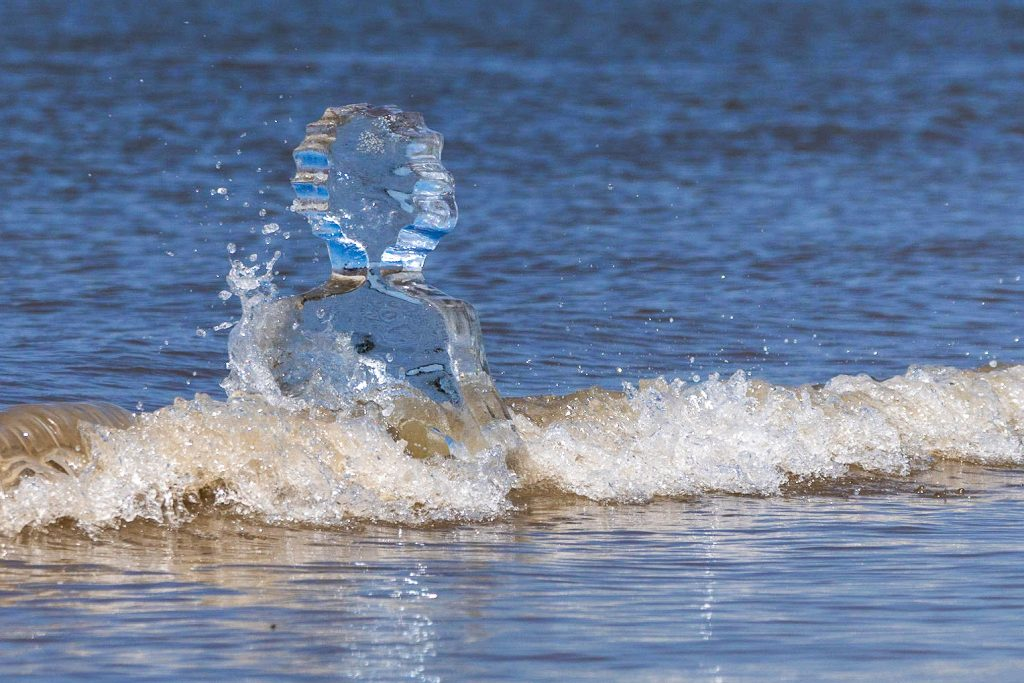 ice_sculpture_climate_change_uk-2